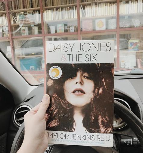 Daisy Jones & The Six[REVIEW]